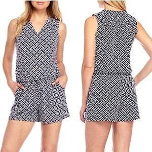 New KAARI BLUE Sleeveless Button Up Romper medium